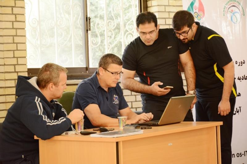ارتقاء دانش مربيان سه گانه ايران با دوره آموزشي نيل مك فرسون